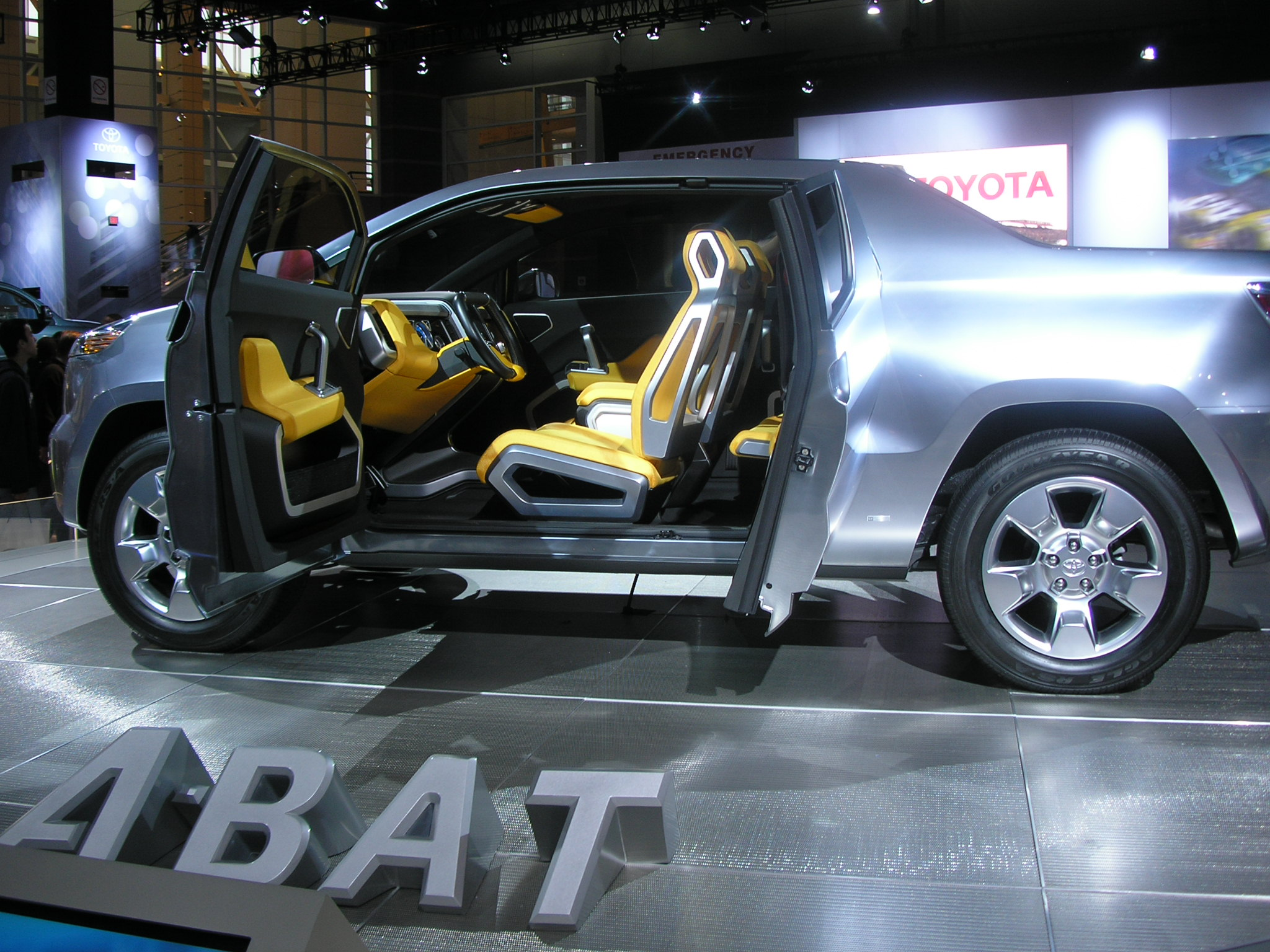 toyota a bat concept hybrid pickup hybride. Black Bedroom Furniture Sets. Home Design Ideas